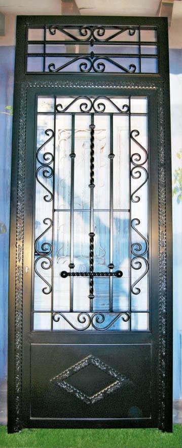Puertas principales con acabado madera este es un anuncio for Precio de puertas de forja